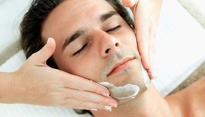 Higiene facial masculina